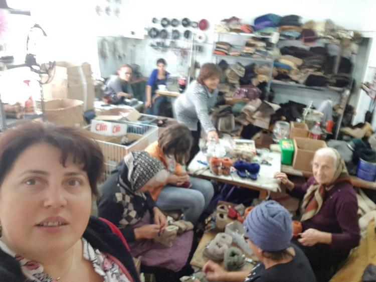 Forfotă mare în atelierul de cadouri