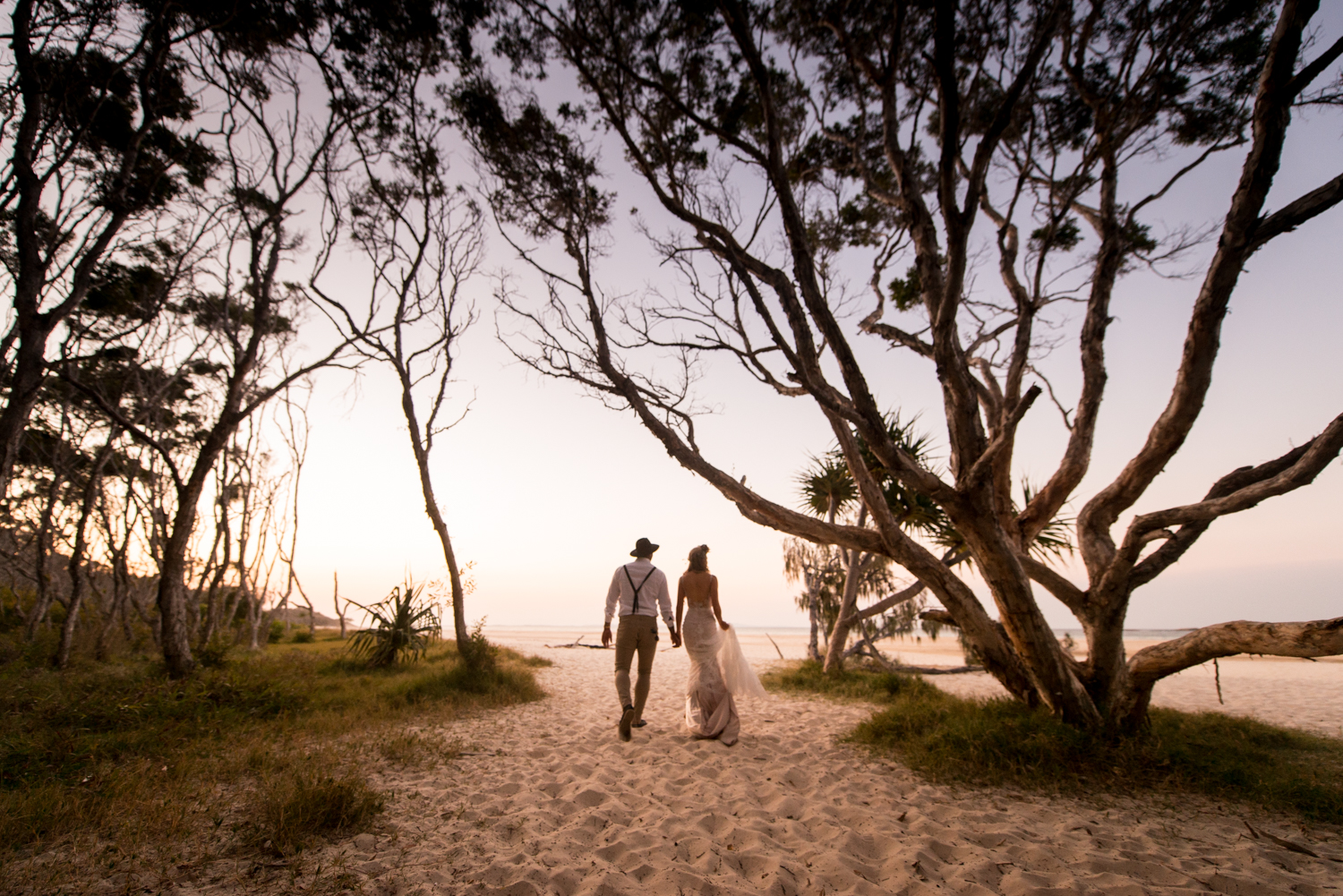 Straddie Hotel | North Stradbroke Island wedding | Steph and Sol