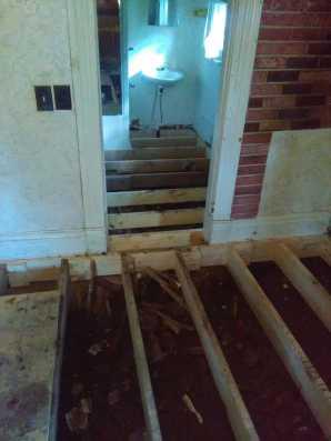 Rocky Comfort MO House Repair 27
