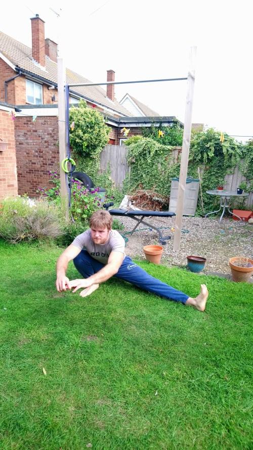 Right leg cossack squat hold