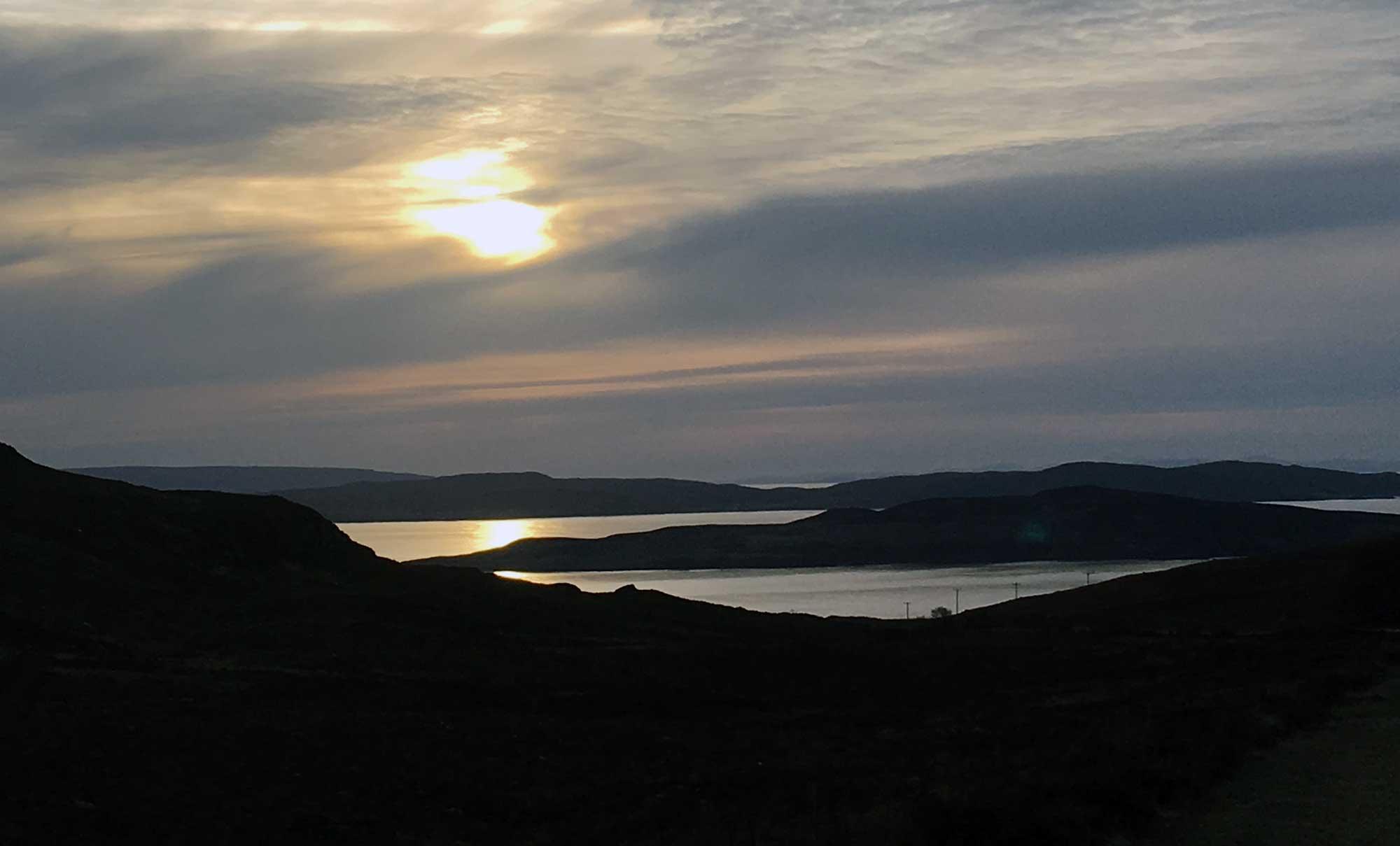 Abendhimmel über der Bucht bei Aultbea