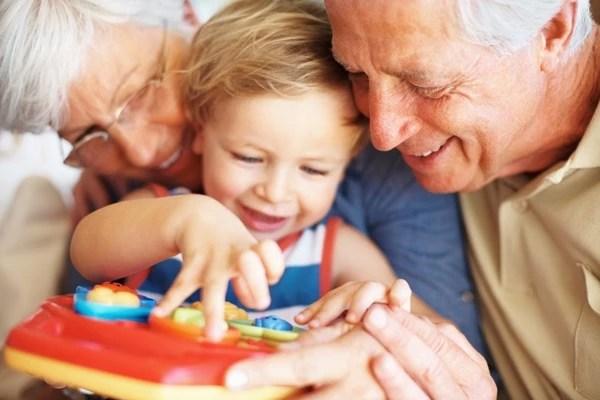 Молитва бабушки о рождении внуков. Самая сильная молитва о внуке. Все о детстве