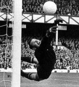 Лев Яшин легенда советского футбола