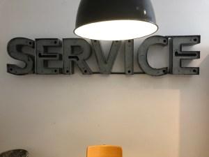 SERVICE Leuchtbuchstaben Neonschriftzug