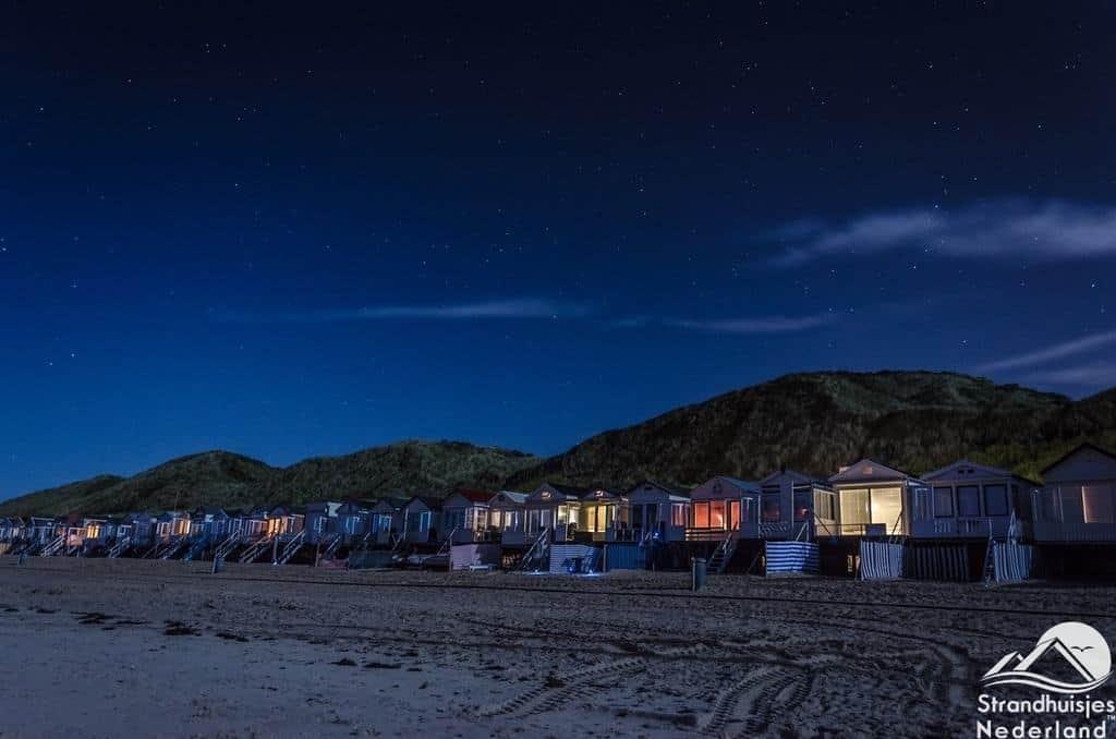 Strandhuisje Westduin 120 op het strand bij Vlissingen Zeeland