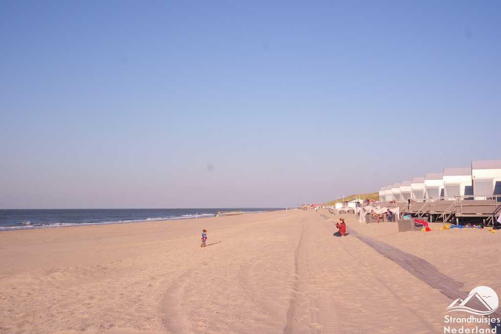 Slaapzand luxe Strandhuisje Boek huisje aan zee bij