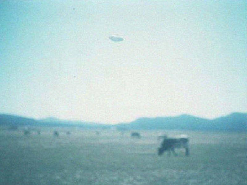 """""""Οι ιπτάμενοι δίσκοι προκαλούν αναταραχή εις Μπουένος Άιρες""""…"""