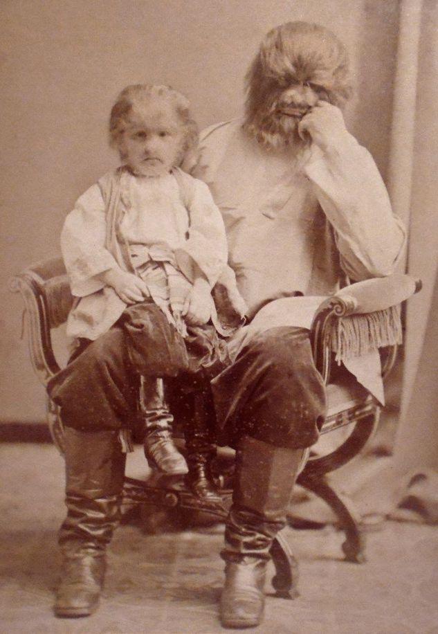 Ο Ζο-Ζο στην αγκαλιά του πατέρα του, Άντριαν