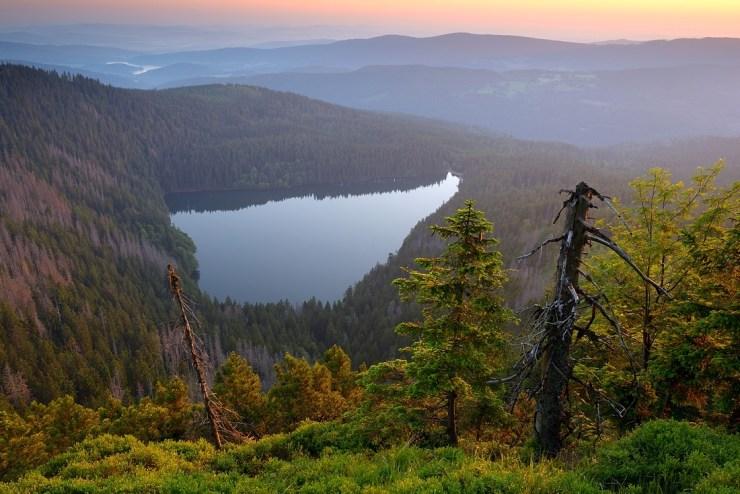 Άποψη από την τριγωνική λίμνη της Βοημίας