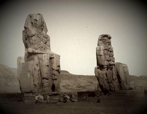 Τα αγάλματα του Μέμνονα
