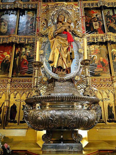 Η Παναγία της Αλμουδένας, στη Μαδρίτη
