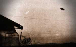 Ιπτάμενος δίσκος πάνω από την Καλιφόρνια, το 1950…