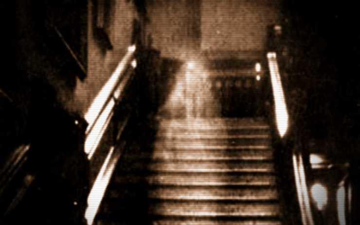 """Το φάντασμα της """"Μελαχρινής Κυρίας"""" του Raynham Hall..."""