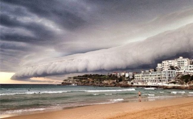 Terrifying Storm Front Over Sydney Photo And Videos