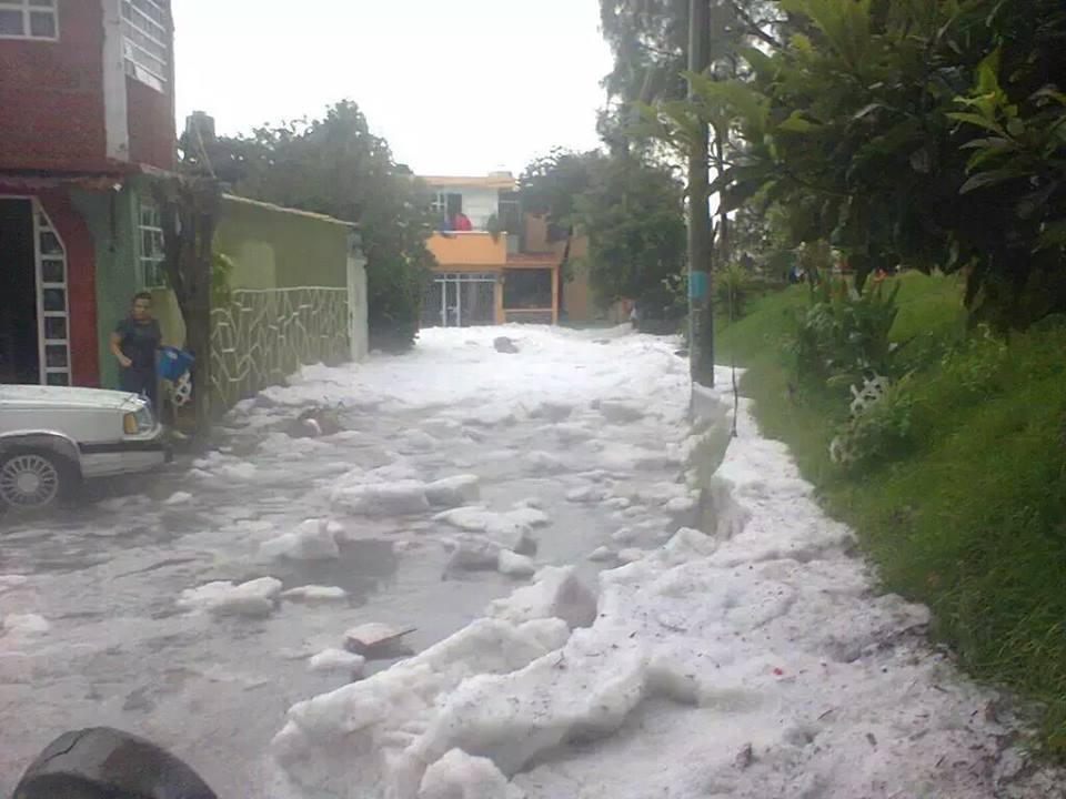 hailstorm, hailstorm Ecatepec Coacalco mexico august 2015, hailstorm mexico august 30 2015, apocalyptic hailstorm mexico august 2015, hailstorm Ecatepec Coacalco mexico august 2015 video, hailstorm Ecatepec Coacalco mexico august 2015 photos, hailstorm Ecatepec Coacalco mexico august 2015 photos and videos, MUEREN 2 PERSONAS POR LLUVIA GRANIZADA EN COACALCO Y TULTIITLAN EDOMEX ECATEPEC INUNDACIONES, Fuerte lluvia y granizo en Coacalco y Tultitlan Estado de México, granizada ecatepec y coacalco