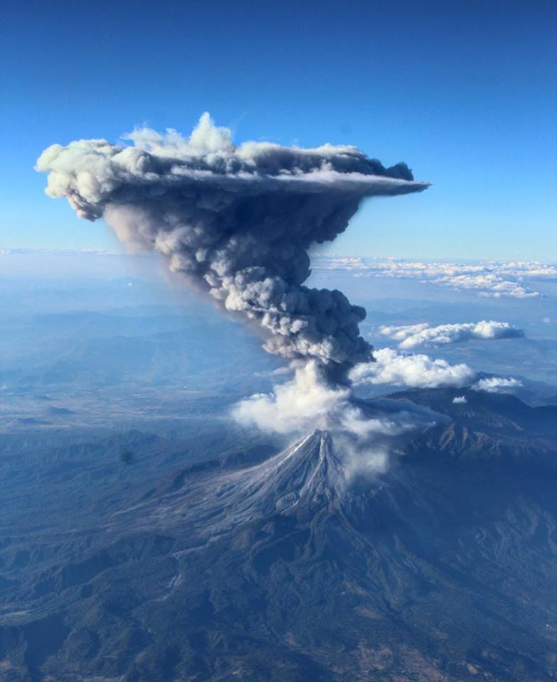 Large eruption at Colima volcano on February 3, 2017