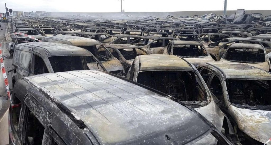 Hundreds of Maseratis burn down in Savona, Hundreds of Maseratis burn down in Savona video, Hundreds of Maseratis burn down in Savona pictures