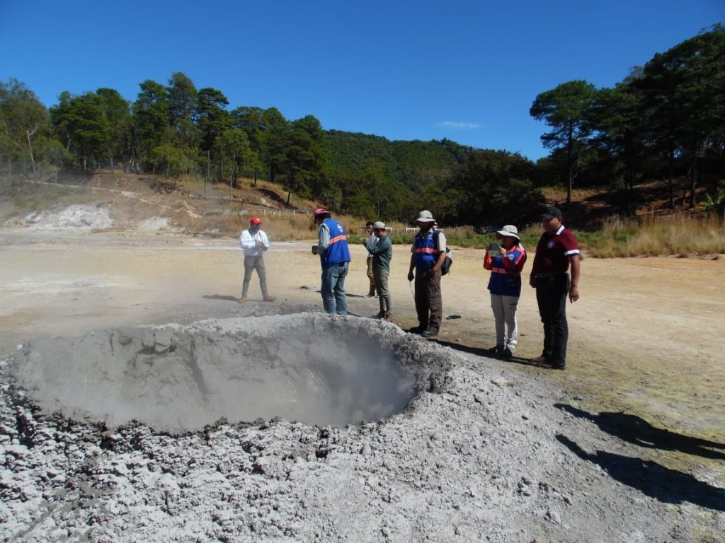 new mud volcano guatemala, Crater of a new mud volcano appears in Guatemala