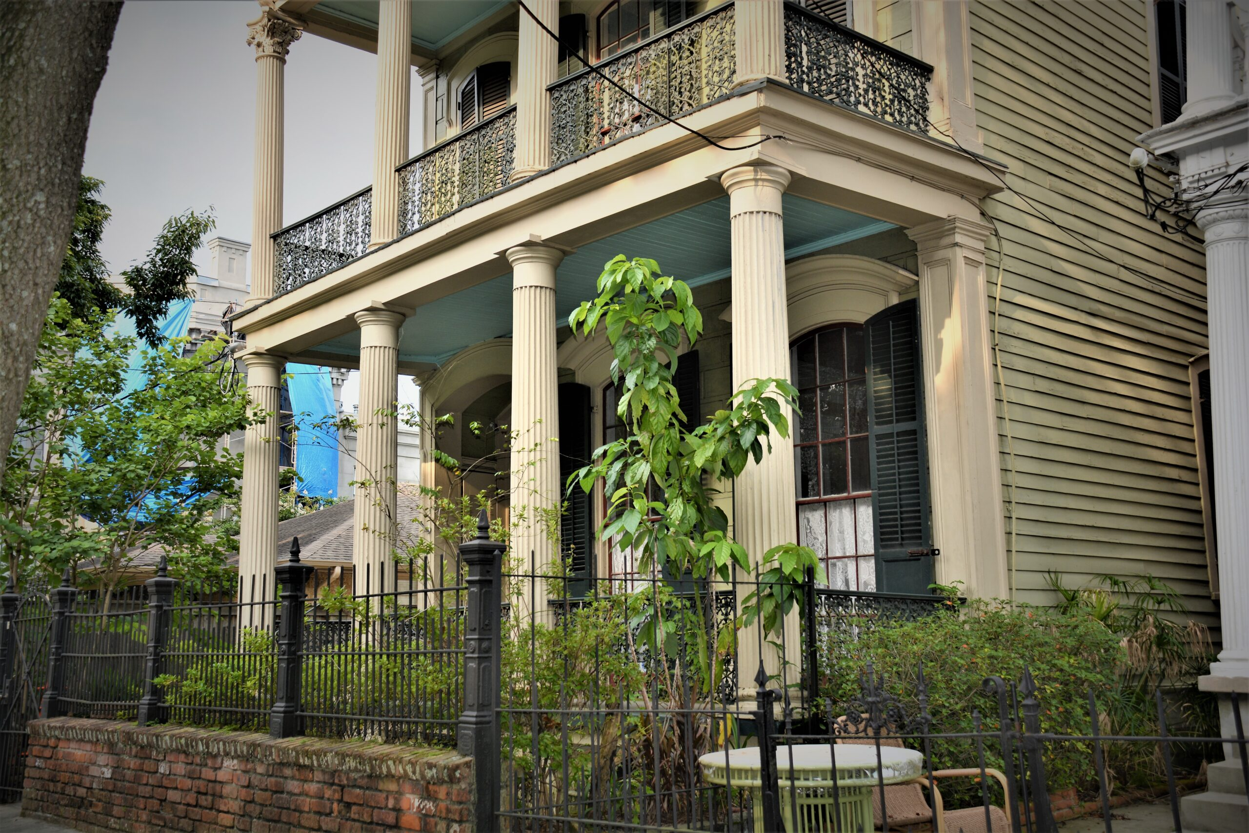 Doric columns on a mansion in the Garden District of New Orleans
