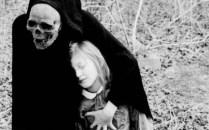 La muerte es pederasta