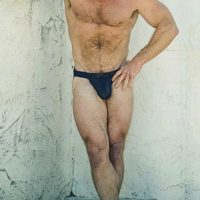 With this body, this DILF doesn't need to advertise!