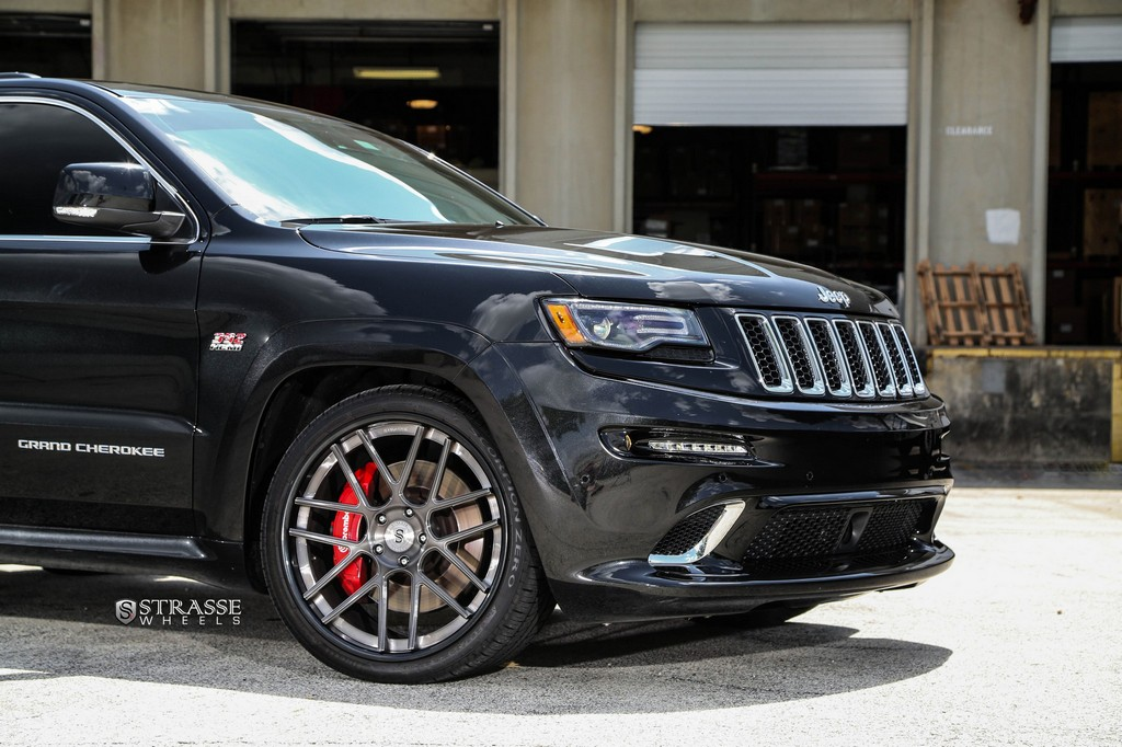 Strasse Wheels - Superior Auto Design - 500+hp Jeep Grand Cherokee SRT - SM7 Deep Concave Wheels