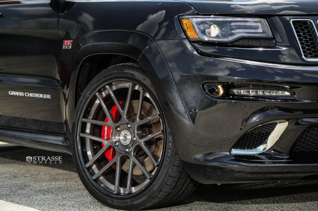 Strasse Wheels - Superior Auto Design - 500+hp Jeep Grand Cherokee SRT8 - SM7 Deep Concave Wheels