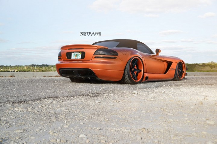 Strasse Wheels Dodge Viper S5 12