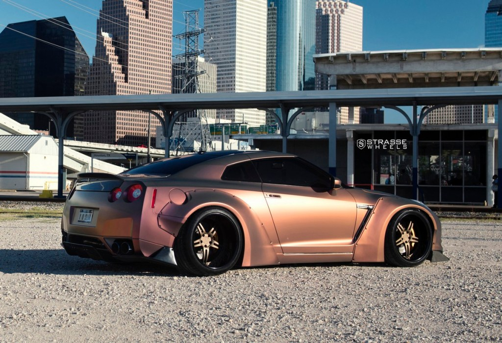 Strasse Wheels - Liberty Walk Wide Body Nissan GT-R - SP5R Signature Series 11