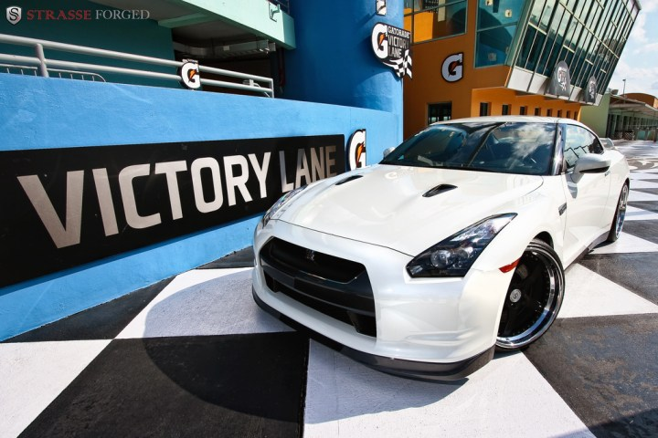 STRASSE FORGED WHITE GTR 14 TOO MUCH WIN!