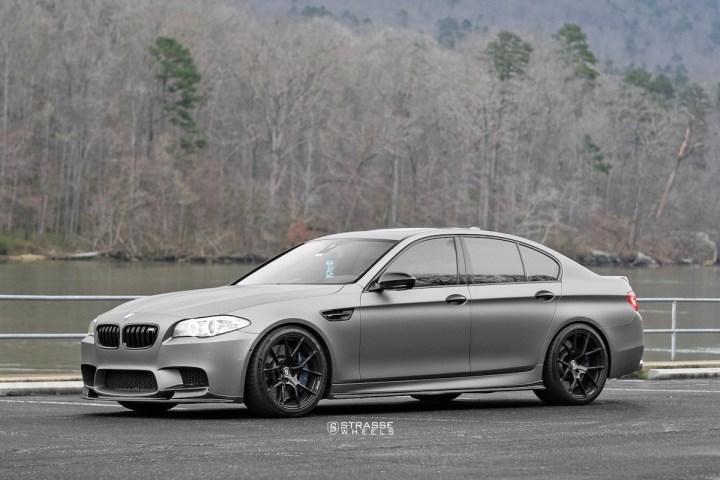 BMW F10 M5 - SM5R Deep Concave Monoblock - Gloss Black 1