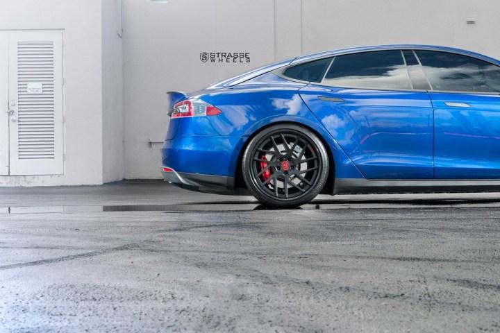 Tesla Model S P90D - SM7T Deep Concave 7