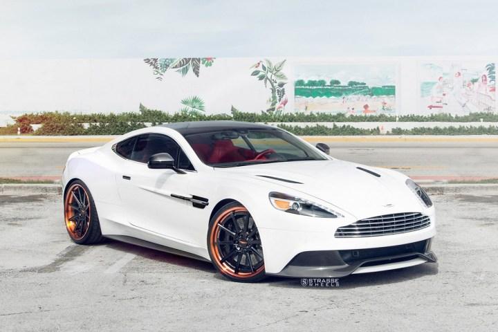Aston Martn V 1 2