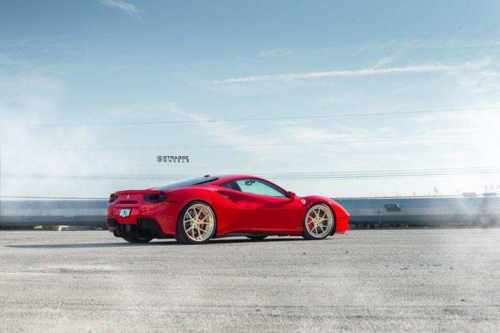 Ferrari-488-3