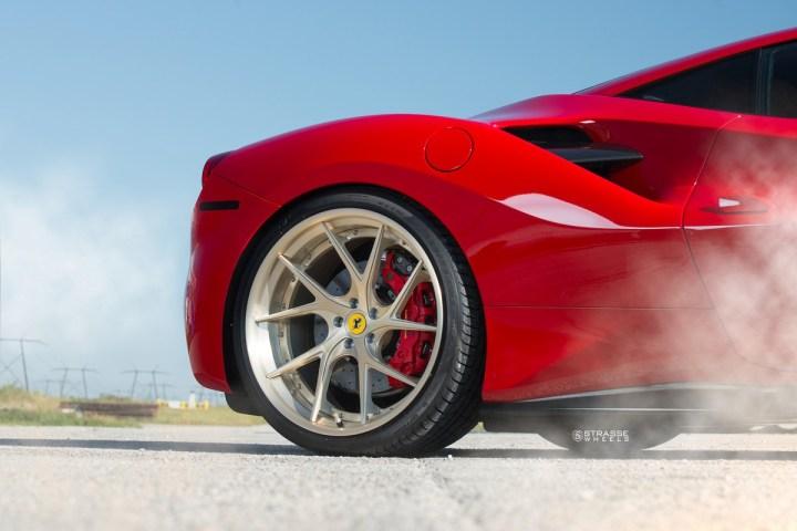 Ferrari-488-8