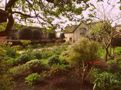 Visit Shakespeare's Birthplace for the gardens ©Stratfordblog.com
