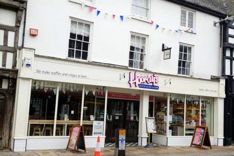Hooray's British Gelato Kitchen, one of best places to cool down in Stratford-upon-Avon ©Stratfordblog.com
