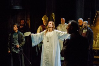 David Tennant in Richard II wearing a white tunic going up for auction. Photo by Kwame Lestrade