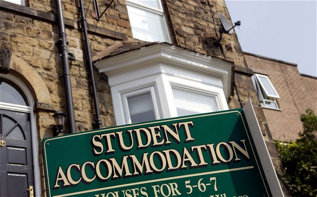 (5) Students call for end to rents that swallow up to 95 per cent of student loans