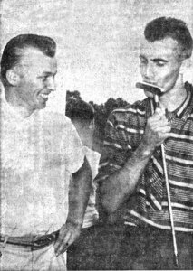 Ken Britton (right) defeated Norm Backen in one of the lowest scoring finals in 1959.
