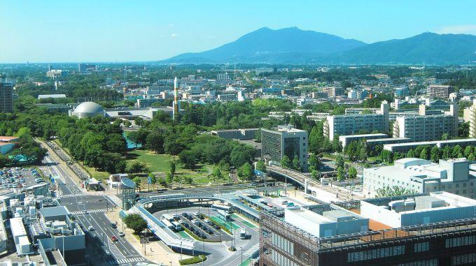 Tsukuba_Center_&_Mt.Tsukuba01