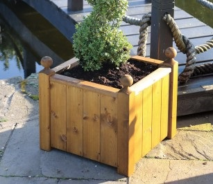 Tom Chambers Sissinghurst-Planter available from strawberry garden centre uttoxeter