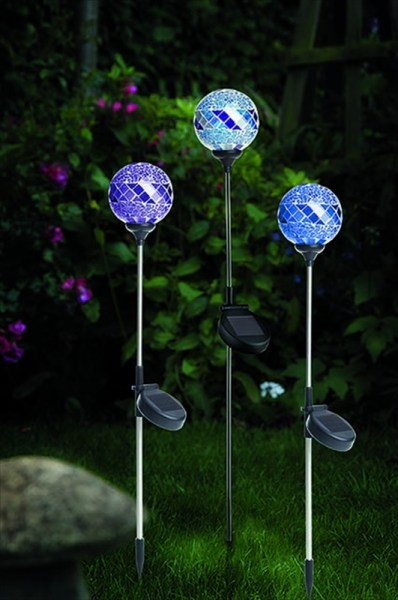 Cole & Bright 18033 Solar Mosaic Border Ball available from Strawberry Garden Centre, Uttoxeter