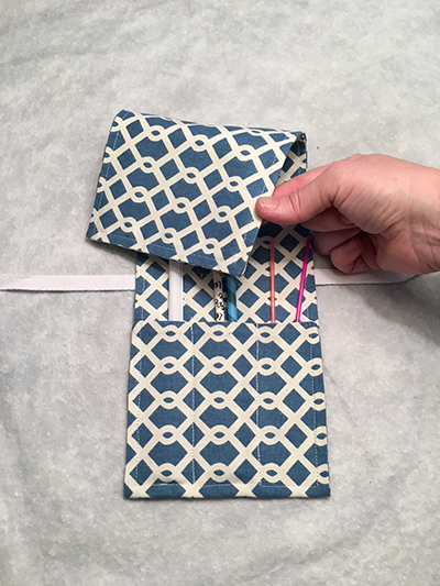 Blue link straw pouch (folded)
