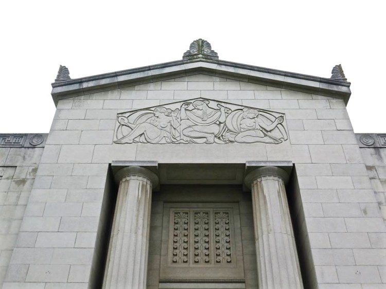 Its 1929 art deco public mausoleum is a thing of beauty.