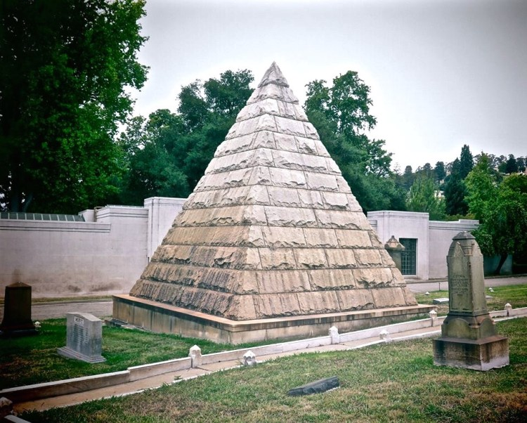 Its family tombs range from Egyptian Revival through Romanesque to Gothic. Among the curious elements of the cemetery are its three pyramid mausoleums more then any other cemetery in the U.S. The pyramid mausoleum craze started in the early 1800's after Napoleon invaded Egypt.