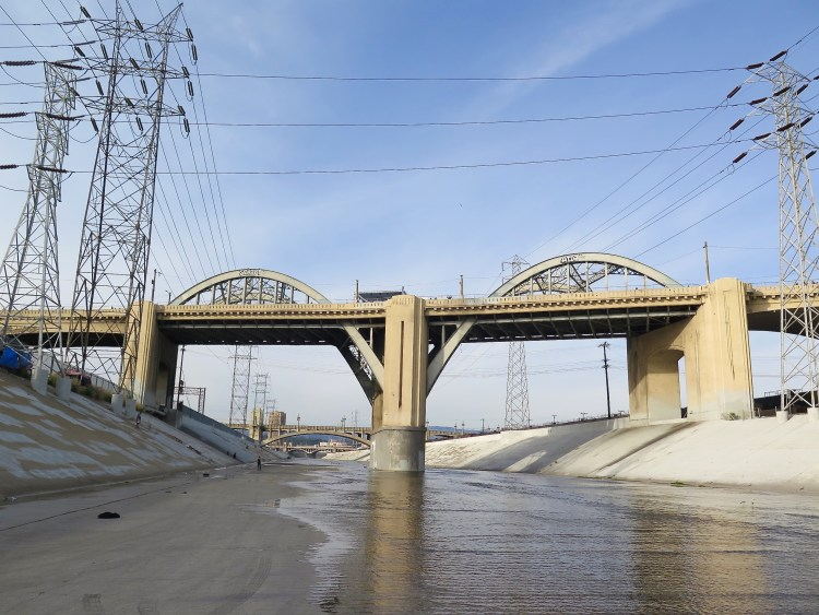 In addition to its vulnerability to collapse under predictable seismic forces, the Sixth Street Viaduct also has geometric design and safety deficiencies.
