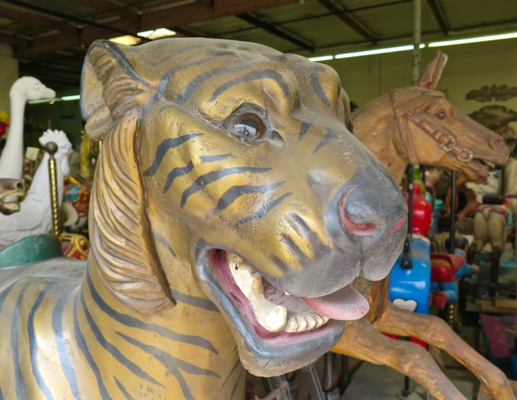 Some popular menagerie figures were tigers...