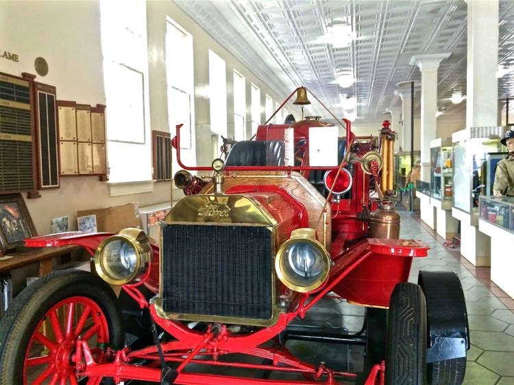 The museum houses old fire engines and fire apparatus, some dating from the 1880s.