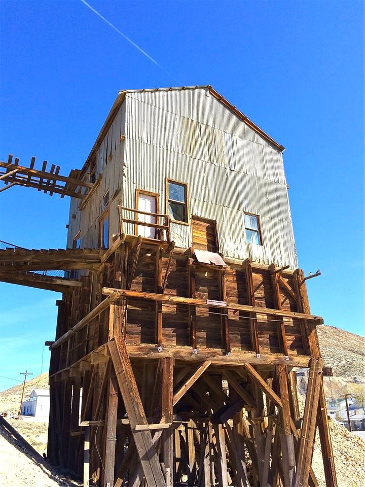 Silver Top Grizzly - Built in 1905, it housed a hand-sorting crew for the silver ore. Good ore went into bins and bad ore went into the waste pile.